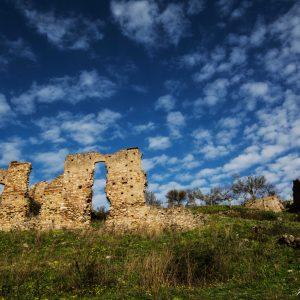 G. Vittorio - Ruderi della chiesa di Bruzzano Vecchio (Aspromonte Orientale)